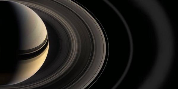 ¿Cuántos anillos tiene Saturno?